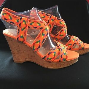 NWT - CL by Laundry 7.5 Fluorescent Orange Wedge